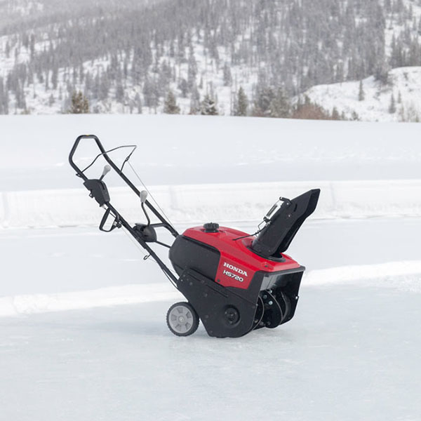 pruitt outdoor power   honda snowblower    moving